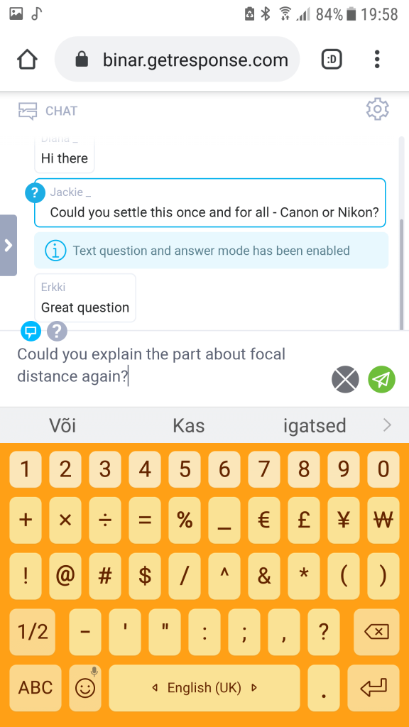 GetResponse mobile webinar chat